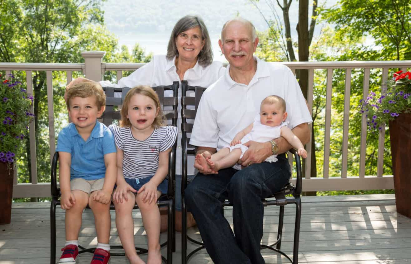 Joel Shamaskin, his wife, Dr. Ann Shamaskin and their grandchildren in 2018.